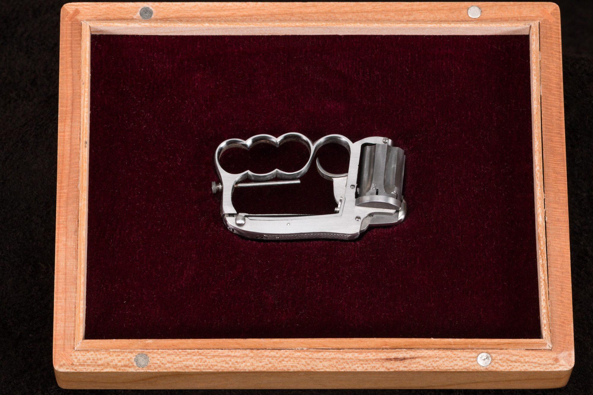 54C David Kucer Miniatures Dolne Knuckleduster 3