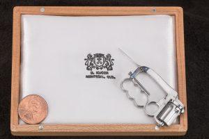 54C David Kucer Miniatures Dolne Knuckleduster 3_IMG_3293